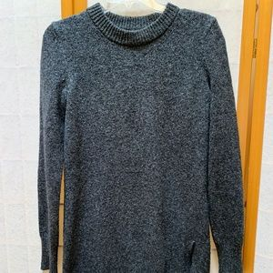 Chelsea & Violet tunic sweater